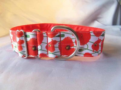 "Poppies on White 1.5"" Satin Lined House Collar"