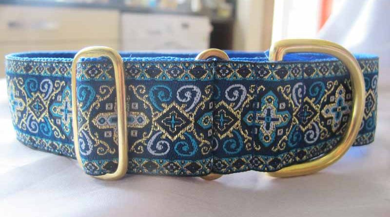 Peek A Blue 1.5″ Satin Lined House Collar