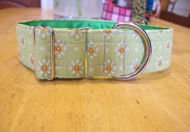 Green Daisy 1.5″ Satin Lined Soft Cotton House Collar