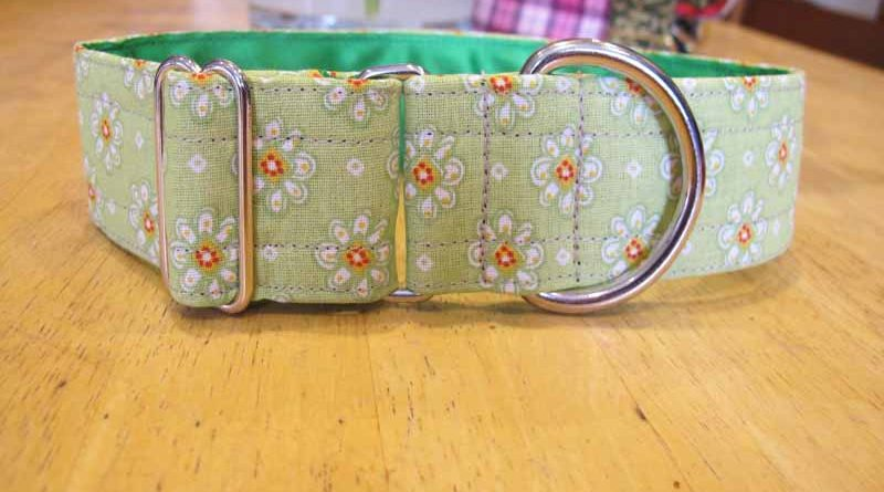 "Green Daisy 1.5"" Satin Lined Soft Cotton House Collar"