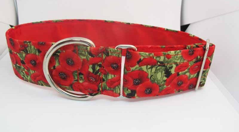 Poppy Cluster House Collar In Red